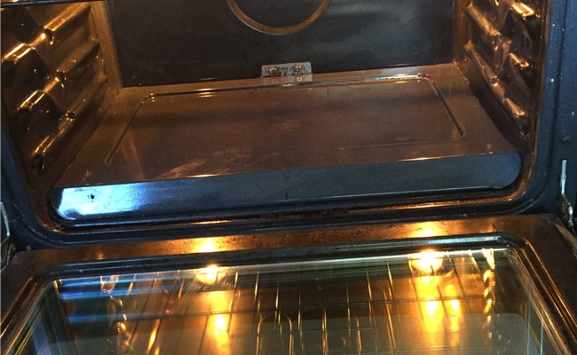 sparkling-clean-oven
