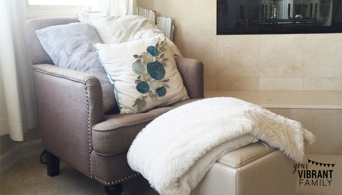 comfy-chair-and-blanket